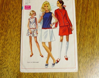 "1960s MOD Dropped Waist Culotte Dress & Collegiate Jacket (Color Block) - Size 16 (Bust 38"") - UNCUT Vintage Sewing Pattern Simplicity 8098"