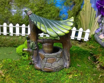 Leafy Roof Water Well for The Fairy Garden or Doll House Backyard
