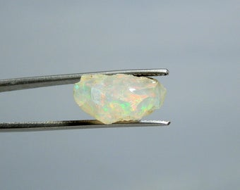 6.00 carat Opal Loose Rough Specimen Lots of Color Flash Display Collectible or Lapidary Supply DanPickedMinerals