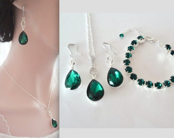 Emerald jewelry set ~ 3 piece brides jewelry set ~ Emerald green crystal set ~ Emerald necklace, bracelet, earrings ~ Irish jewelry ~ Gift ~