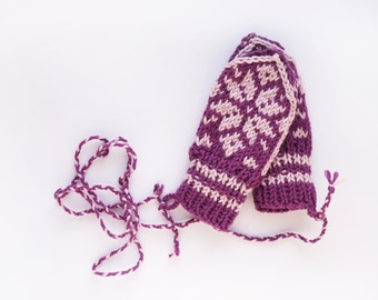 Babymittens // Traditional Norwegian Selbu Mittens in Pink