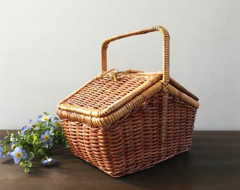 Picnic Basket / Classic Small Lunch Basket