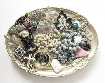 GORGEOUS vintage DeStash Lot! Awesome Price!! Costume jewelry lot, salvage, supply lot, bead lot, up cycle, repair, repurpose LOT A23