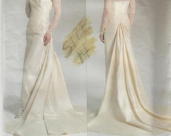 Stunning Wedding Dress Pattern Vogue 2906 Sizes 12 - 16 Uncut
