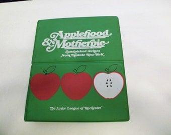 1981 Applehood & Motherpie 1st/2nd HC Ring  Tabs Bound Rochester Jr. League Cookbook