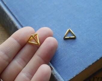 3pcs Gold Triangle 3D Geometric Triangular Prism Charms 14mm (GC3013)