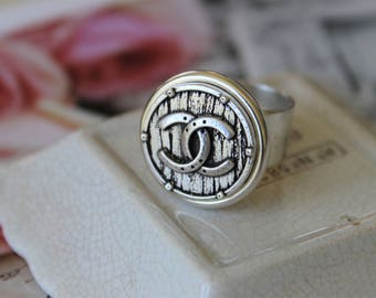 Designer Button Ring, Iconic Jewelry, Vintage Button Ring Silver, Upcycled Jewelry, Adjustable Ring veryDonna