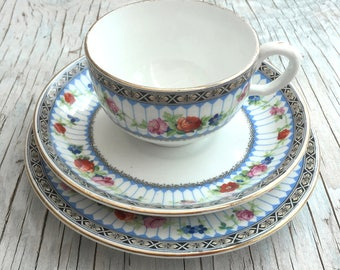 RESERVED Vintage China tea trio. Grosvenor China Ye Olde English. Tea trio for one.