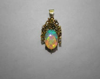 Vintage 18k Yellow Gold Modern Abstract Crystal Opal Diamond Pendant