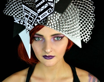Diva in Avant garde dramatic black white geometric crown & belt set headpiece fascinator hat headdress fashion accessory
