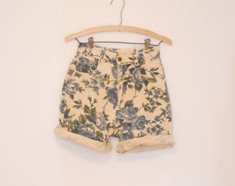 Floral Print Denim Shorts - Early 90s