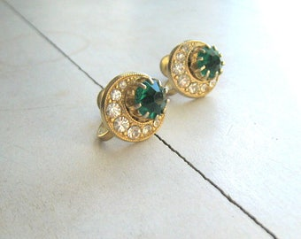 Vintage Earrings Sparkling Emerald Green Round Rhinestones Clear Crystal Rhinestones Gold Tone Screw Back Vintage Bride Vintage Wedding