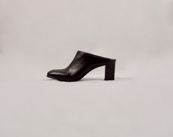 black leather mules / 90s leather mules / 8 - 38.5 / 90s minimalist / chunky mules / square toe mules / leather clogs / 90s mules