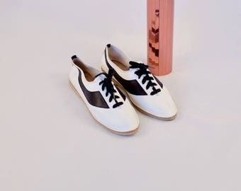 leather lace up skimmers / 10 - 42 / white lace up flats / white leather flats / leather sneakers / sporty flats / colorblock / 80s flats