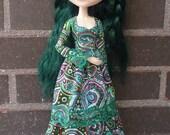 Long dress for Pullip dolls.