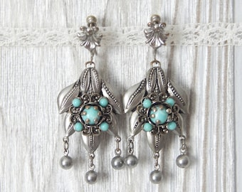 all the right dangles | Vintage 50s Silver Tone and Simulated Turquoise Southwestern Screwback Dangle Earrings