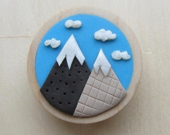 Mountain Mosaic Round Brooch, Handmade Polymer Clay Mountain Pin Badge, Nature Lover Gift, Mountain Jewelry, Gift for Hiker Camper