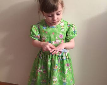 Easter Bunnies with Easter Eggs & Baskets // Girls Glittery Green Dress Size 3T, 4T