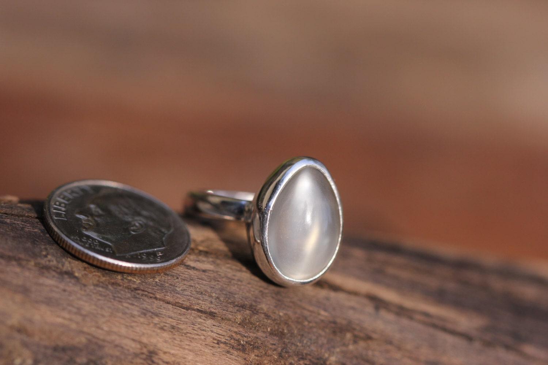 Pear shape grey moonstone ring size 5 cats eye moonstone for Cat s eye moonstone jewelry