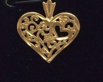 Vintage 14K Yellow Gold Filagree Heart Bracelet Charm Pendant