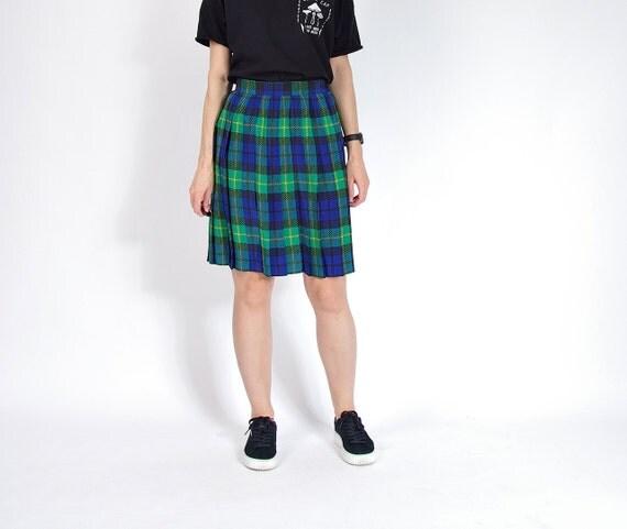 SALE - 80s Permanent Press Plaid Street Style Skirt / Size M/L