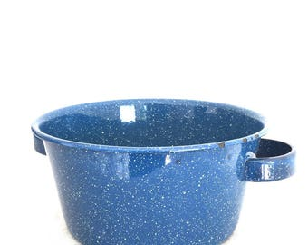 Vintage Blue 3 Quart Enamelware 2-Handled Pot