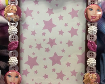 Barbie button picture frame, displays 4 x 6 photo