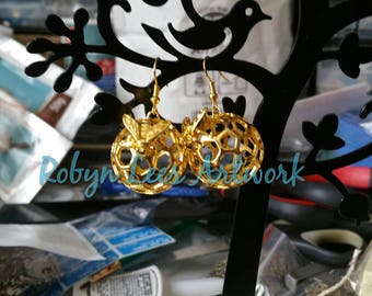 Large Gold Honeycomb Hive Ball Earrings with 3D Bee Honeybee on Gold Hooks. Wasp, Honey, Nature, Wiccan