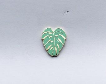 Monstera Leaf Lapel Pin | Tea Green