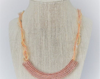 Mixed Material Wire Crochet Necklace