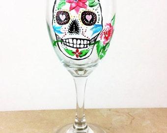 Skull wine glasses, Sugar Skulls, Dia de Los Muertos, Custom wine glass, All souls Day, Day of the Dead, Gift for him, wedding gift, skulls
