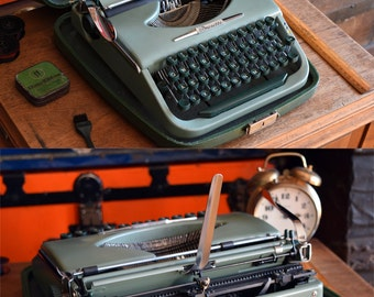 Working Brosette Typewriter - Manual Portable w/ Original Carrying Case - Comes with New Ink Ribbon - Made in Germany - 100% Functional