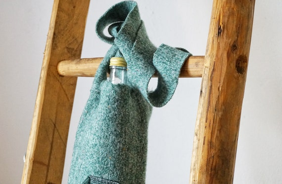 green Tribal Drinking Bottle Wrap I Bottlesleeve I Glassbottlecoat I for all sizes I green wool bottle wrapper
