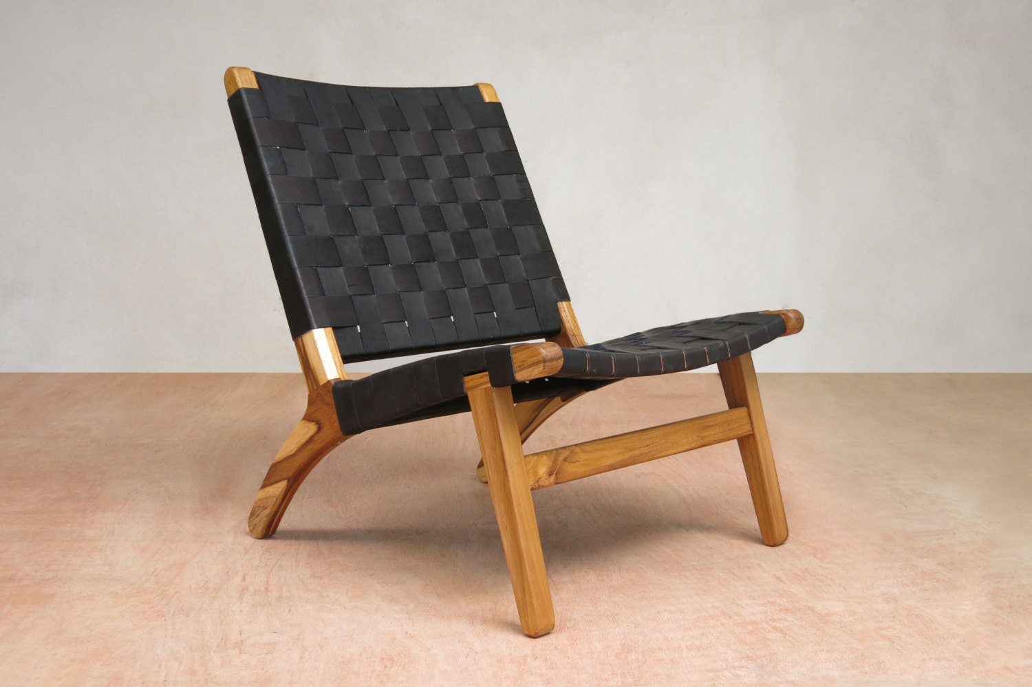 black leather mid century modern lounge chair handmade from. Black Bedroom Furniture Sets. Home Design Ideas