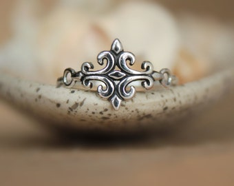 Silver Fleur de Lis Ring - Tribal Dainty Ring in Sterling - Medieval Style Scroll Ring - Stylized French Lily Ring in Silver -Fleur de Lys