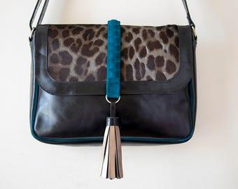 Bag shoulder of black leather, Leopard print hair tab