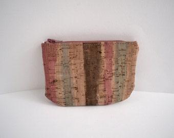 Little purse made of striped Cork