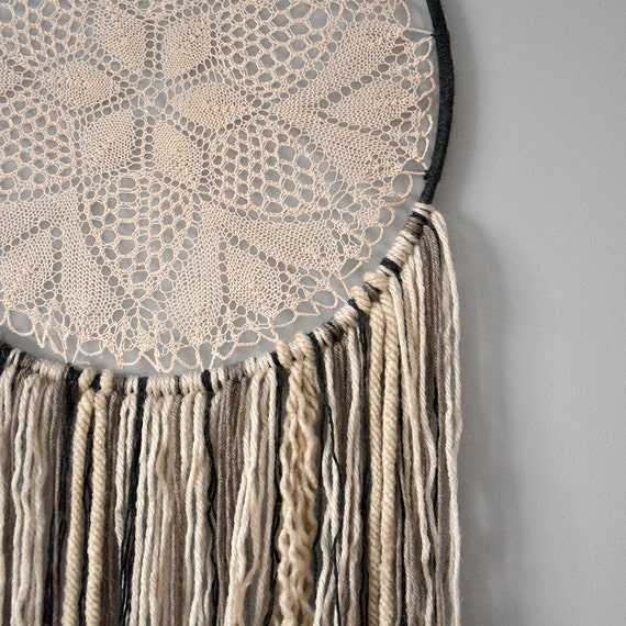 Dream Catcher/Dreamcatcher/Doily Dreamcatcher/Wall art/Wall decor/Wall hanging/Home decor/Bedroom decor/Nursery decor