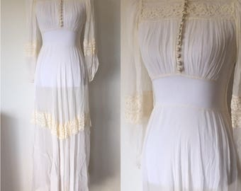 1940's Chiffon and Lace Off White Sheer Wedding Dress Gown Bridal Buttons Peter Pan collar // Size S