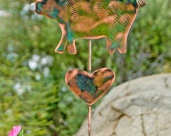 Metal Yard Art Garden Pig Copper Plant Stake / Copper Garden Art / Farmhouse Decoration / Barnyard Sculpture / Pig Pet Memorial