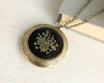 Floral Locket Necklace Large Round Pendant Queen Annes Lace Pressed Flower Resin Jewelry Gift for Women Black and White Dried Plant Nature