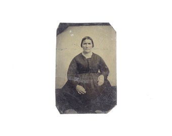 Vintage Tintype Photo of Woman / Civil War Era Tintype Photograph