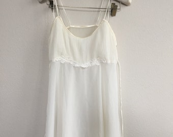 vintage cream and white babydoll with lace appliqué