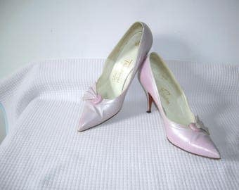Vintage 1950s Troylings Seymour Troy Pumps/ Pink Pearl/ Leather/ Stiletto Pumps/ VLV Rockabilly Bombshell Pinup Shoes Hand Last USA Size 8.5