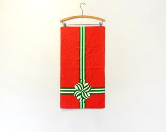 Vintage Fallani and Cohn Linen Towel / Wall Hanging - Christmas Present