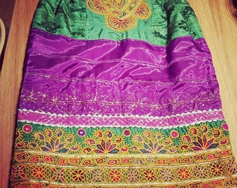 Afghan ethnic fabric skirt. It is below the knee. Size m.