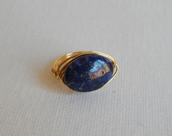 Gold wire wrapped blue lapis ring, boho style, everyday ring, festival chic jewelry, nugget ring, neutral, trendy jewelry, faceted nugget