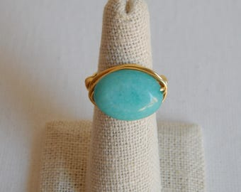 Gold wire wrapped seafoam green jade oval ring, boho style, everyday ring, festival chic jewelry, neutral, trendy jewelry, summer jewelry