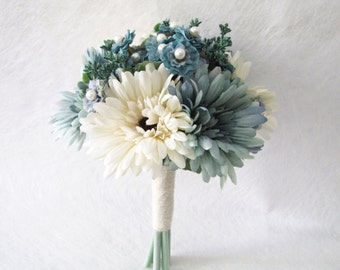 Blue Bridesmaid Bouquet, Maid of Honour Bouquet, Pearl Wedding Bouquet, Ivory Daisy Wedding Bouquet, Floral Bouquet, Rustic Wedding Bouquet