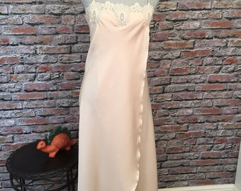 Vintage Parisian Maid Blush And Lace Nightgown Negligee Dressing Gown  Size Small